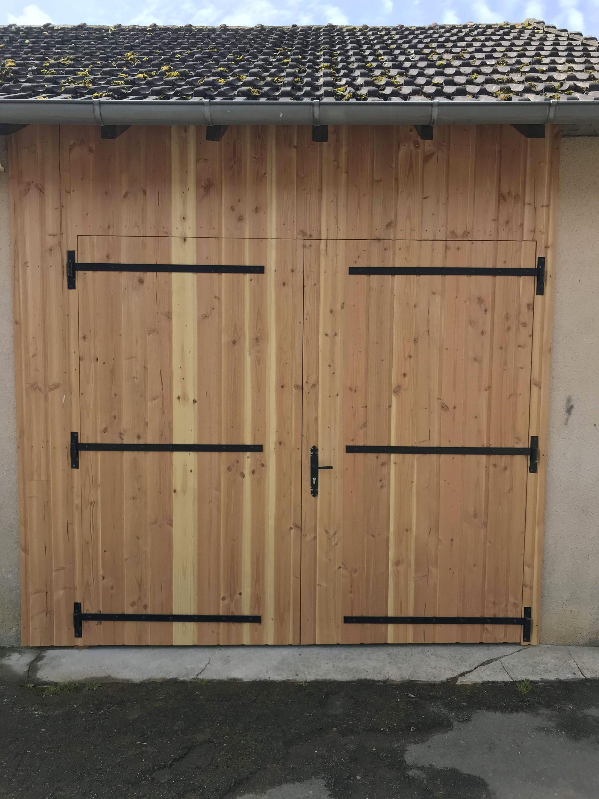 Porte de garage en bois Limoges