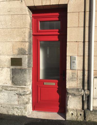porte extérieure en Charente