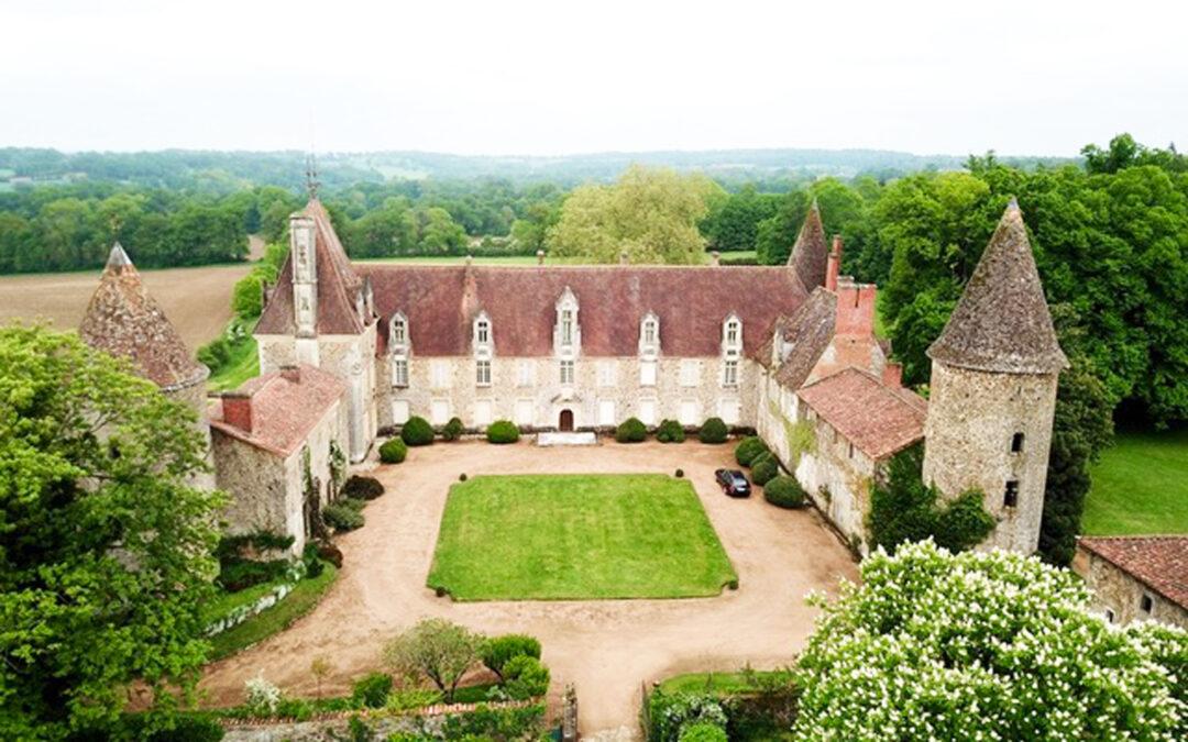 Success Story – Rénovation de la couverture des dépendances du Château de Pressac